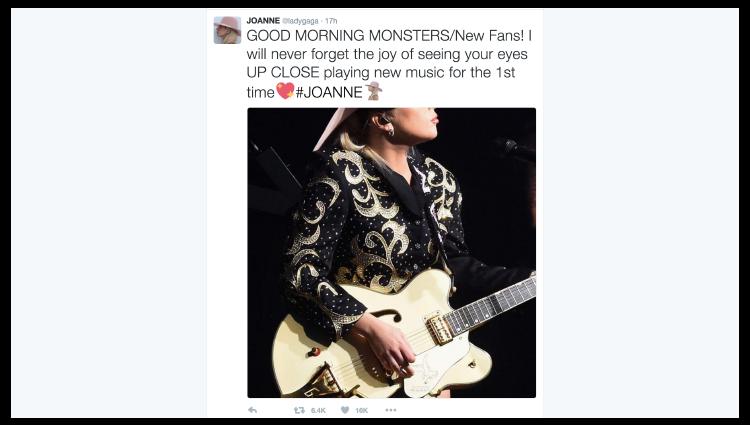 """名人的品牌,例如Lady Gaga,很難完全把社交媒體運作外判。儘管大家都知道名星不會自己發布一切,但她也會與她的""""怪物""""進行真實的私下交談,並定期更新她的日常活動。"""